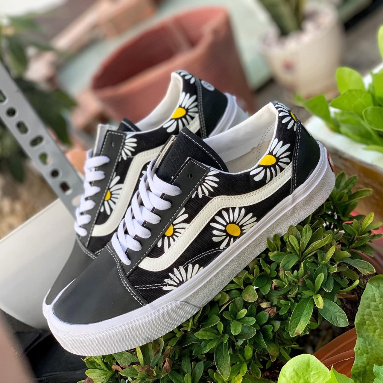 giày vans hoa cúc giá rẻ